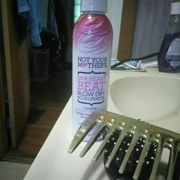 Not Your Mother's In A Heartbeat Blow Dry Accelerator Spray uploaded by Caroline E.