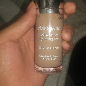 Neutrogena Hydro Boost Hydrating Tint uploaded by member-1a1b896de