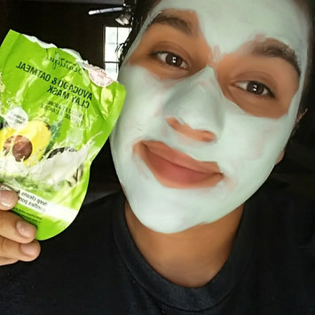 Freeman Beauty Feeling Beautiful™ Avocado & Oatmeal Clay Mask uploaded by Yasmeen V.