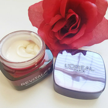 L'Oréal Paris Revitalift Triple Power Intensive Overnight Mask - 1.7 uploaded by Crystal H.
