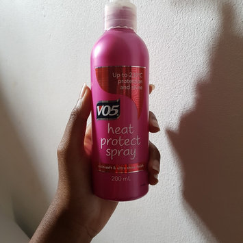 Photo of Alberto VO5® Tame and Shine Taming Spray uploaded by fowzia A.