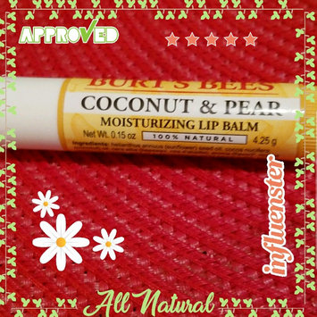 Photo of Burt's Bees Coconut & Pear Lip Balm uploaded by Oyuky R.