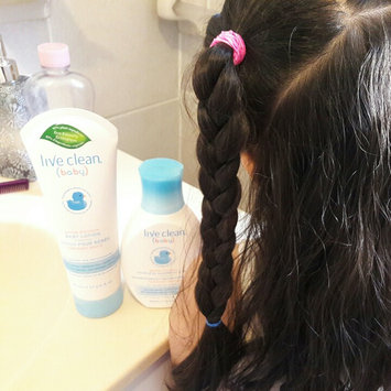 Live Clean® Baby Gentle Moisture Tearless Shampoo & Wash uploaded by Anny F.