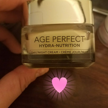 Photo of L'Oréal Paris Age Perfect Hydra-Nutrition Moisturizer uploaded by Yasmil P.