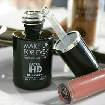Photo of MAKE UP FOR EVER Ultra HD Skin Booster Hydra-Plump Serum uploaded by Dania R.