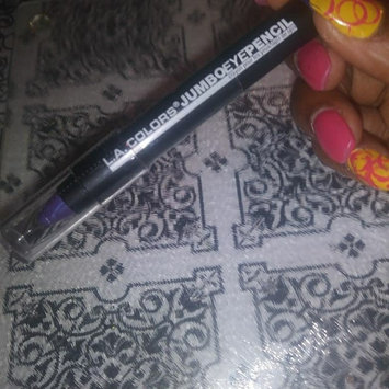 Photo of L.A. Colors Jumbo Eyeshadow Pencil uploaded by tiyan C.