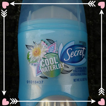 Fresh Exspressions Secret Fresh Antiperspirant and Deodorant Invisible Solid, Cool Waterlily, 0.5 Oz. uploaded by Jeanette H.