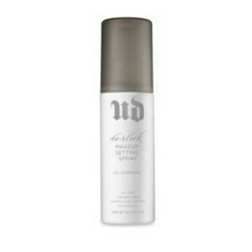 Urban Decay De-Slick Makeup Setting Spray uploaded by Mirah S.