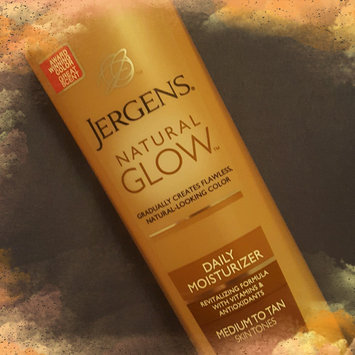 Jergens Natural Glow Daily Moisturizer Medium/Tan uploaded by Caitlyn B.