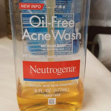 Neutrogena Oil-Free Acne Wash uploaded by jade i.