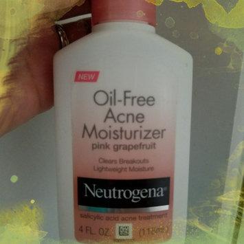 Neutrogena Oil-Free Acne Moisturizer uploaded by Diana A.