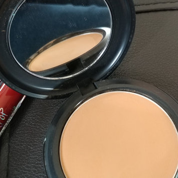 Photo of M.A.C Cosmetic Studio Fix Perfecting Powder uploaded by Marilyn M.