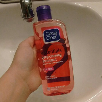 Photo of Clean & Clear® Essentials Deep Cleaning Astringent uploaded by Emma R.
