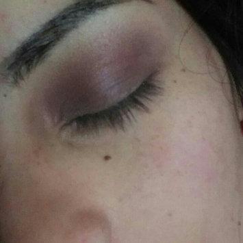 Photo of Essence Eyeshadow uploaded by Esbeydi R.