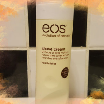 eos Ultra Moisturizing Shave Cream uploaded by Brinia E.
