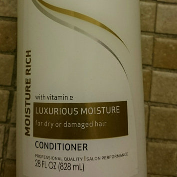 Photo of TRESemmé Moisture Rich Conditioner Luxurious Moisture uploaded by Midori T.