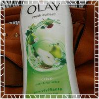Olay Fresh Outlast Crisp Pear & Fuji Apple Body Wash uploaded by Shelley G.