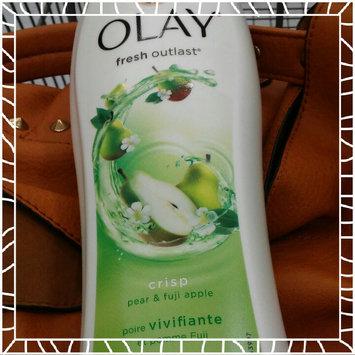 Photo of Olay Fresh Outlast Crisp Pear & Fuji Apple Body Wash uploaded by Shelley G.