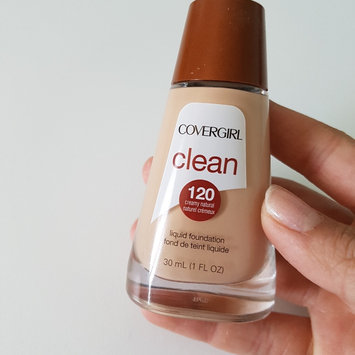 COVERGIRL Clean Liquid Makeup uploaded by Julia S.