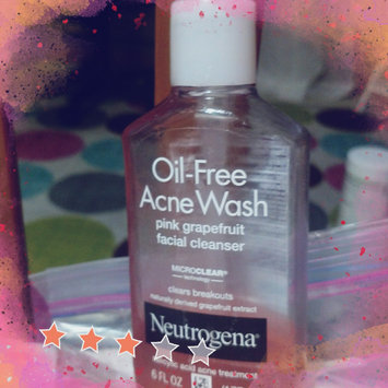 Neutrogena Oil-Free Pink Grapefruit Acne Wash Facial Cleanser uploaded by Rachel L.