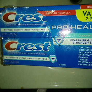 Photo of Crest Pro-Health Whitening Toothpaste Fresh Clean Mint uploaded by kheycee m.