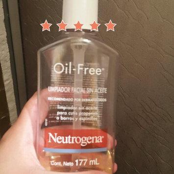 Neutrogena Oil-Free Acne Wash uploaded by Cristal D.
