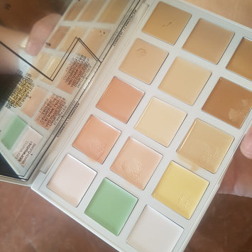 SEPHORA COLLECTION Sephora + PANTONE UNIVERSE Correct + Conceal Palette uploaded by Llanos P.
