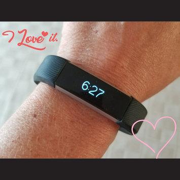 Fitbit 'Alta' Wireless Fitness Tracker, Size Small - Black uploaded by Lori M.