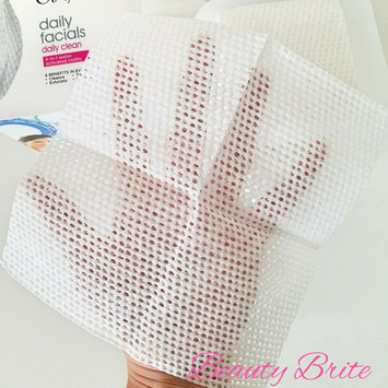 Photo of Olay 4-in-1 Daily Facial Cloths uploaded by Stephanie F.