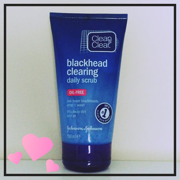 Photo of Clean & Clear® Blackhead Eraser™ Scrub uploaded by Nikita P.