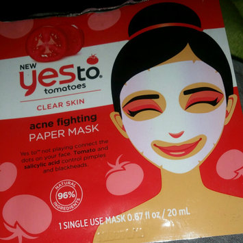 Photo of Yes To Tomatoes Acne Fighting Paper Mask uploaded by Ivori L.