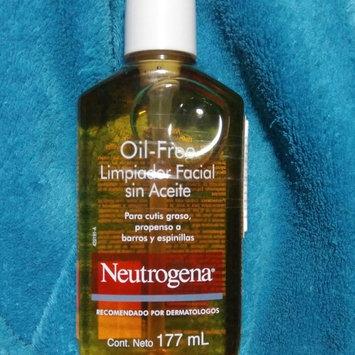 Neutrogena Oil-Free Acne Wash uploaded by Oscar C.