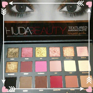 Huda Beauty Textured Eyeshadows Palette Rose Gold Edition uploaded by The D.