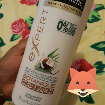 Photo of TRESemmé Botanique Conditioner Nourish and Replenish uploaded by Orietta A.