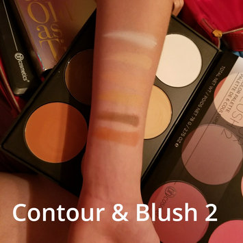 BH Cosmetics Contour and Blush Palette uploaded by Wendy W.