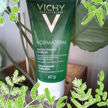 Photo of Vichy Laboratoires Normaderm Daily Exfoliating Cleansing Gel with Smoothing Micro-Particles uploaded by Thais S.