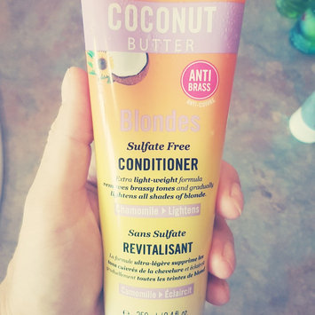 Marc Anthony True Professional Hydrating Coconut Oil & Shea Butter Conditioner, 8.4 fl oz uploaded by Jasmine M.