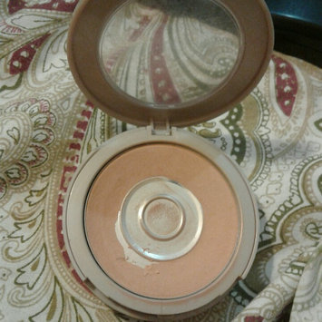 Photo of Neutrogena® Mineral Sheers Loose Powder Foundation uploaded by Daisy H.