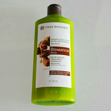 Photo of Yves Rocher - Smoothing Treatment Shampoo Anti-Frizzy Hair 300ml uploaded by fatima ezzahra B.