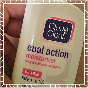 Photo of Clean & Clear Oil-Free Dual Action Moisturizer uploaded by Ines G.