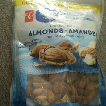 Photo of President's Choice Blue Menu Unsalted Natural Almonds uploaded by Linda C.