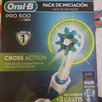 Photo of Braun Oral-B PRO Cross Action 4000 Electric Toothbrush uploaded by Nuria F.