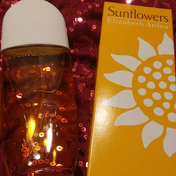 Photo of Elizabeth Arden Sunflowers Eau De Toilette Spray Naturel uploaded by Shalayna G.