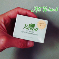 Keeva Organics Tea Tree Oil for Acne Treatment - 1 Step Natural Formula Fights Blemishes, Spots, Scars, Cystic Bumps, Blackheads & Bacne uploaded by Holly V.