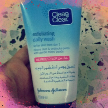 Photo of Clean & Clear® Blackhead Eraser™ Scrub uploaded by hakima a.