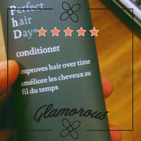 Living Proof Perfect Hair Day In-Shower Styler uploaded by Janet B.