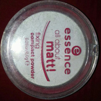 Photo of Essence All About Matt! Fixing Compact Powder uploaded by leonor g.