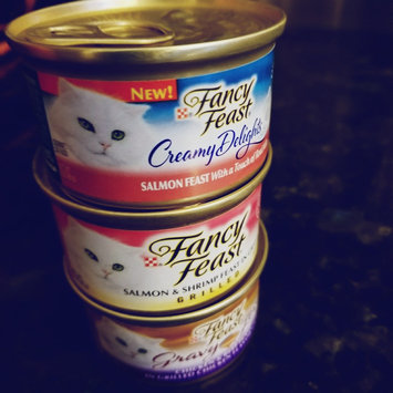 Photo of Fancy Feast Grilled Chicken in Gravy - 3 oz uploaded by Dominique M.