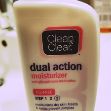 Photo of Clean & Clear Oil-Free Dual Action Moisturizer uploaded by Dominique M.