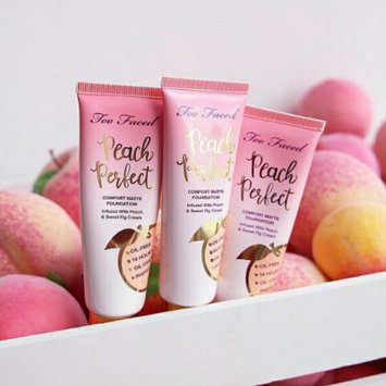 Photo of Too Faced Primed & Peachy Cooling Matte Perfecting Primer uploaded by fatima ezzahra b.